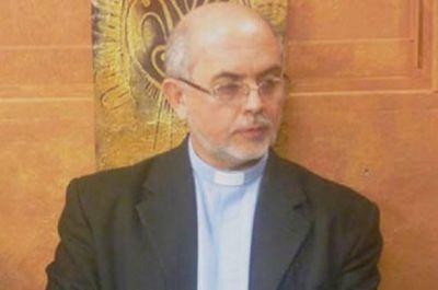 Mons. Dus presenció una reunión de Narcóticos Anónimos en Resistencia