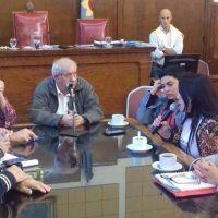 """Arroyo se reunirá con las """"Mamás en lucha"""""""