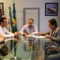 Insaurralde firmó un convenio con la Defensoría del Pueblo