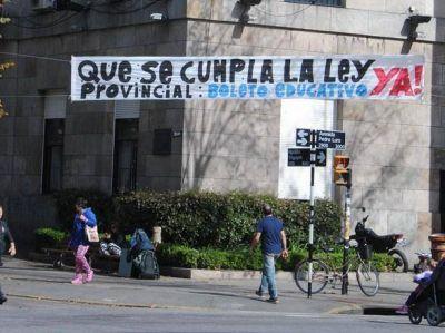 Enojo de universitarios marplatenses ante el anuncio de la Gobernadora