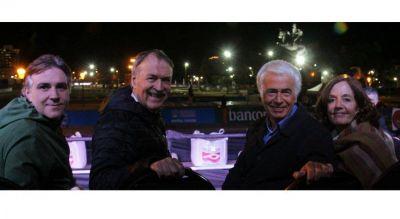 Schiaretti, De la Sota y Vigo, una foto con aroma a campaña