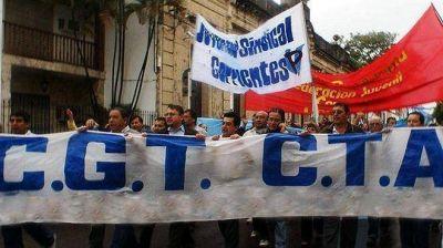 La CGT, las 62 y ambas CTA, por separado, realizarán el lunes actos conmemorativos por el 1° de Mayo