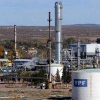 YPF advirtió riesgo de desabastecimiento en 14 provincias por el bloqueoen Rincón de los Sauces, Neuquén