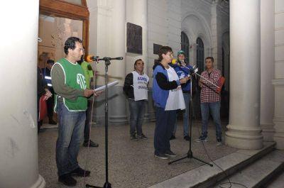 En el acto por el Día del Trabajador los gremios se pronunciaron contra el ajuste