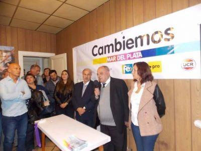 """Ante más de 200 personas inauguró """"CASA CAMBIEMOS"""""""