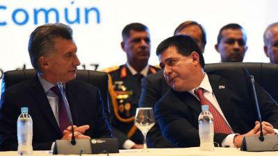 Macri se reúne con su par paraguayo y firma un acuerdo por Yacyretá