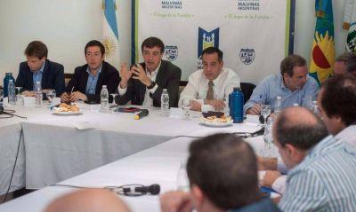 Intendentes K participan de la campaña encubierta de Esteban Bullrich