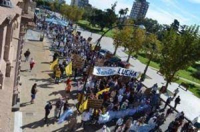 Los trabajadores de SanCor Chivilcoy marcharon en defensa de sus puestos de trabajo