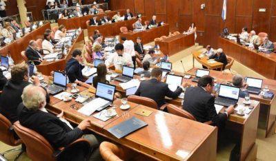 La oposición cargó contra el oficialismo por acaparar toda la agenda de temas
