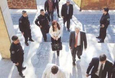 Cristina apuntó a ministros por enriquecerse con la devaluación