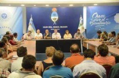 El ministro Farías convocó a los docentes para mañana
