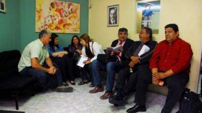 La Intersindical docente pidió la intervención del ministro Saadi