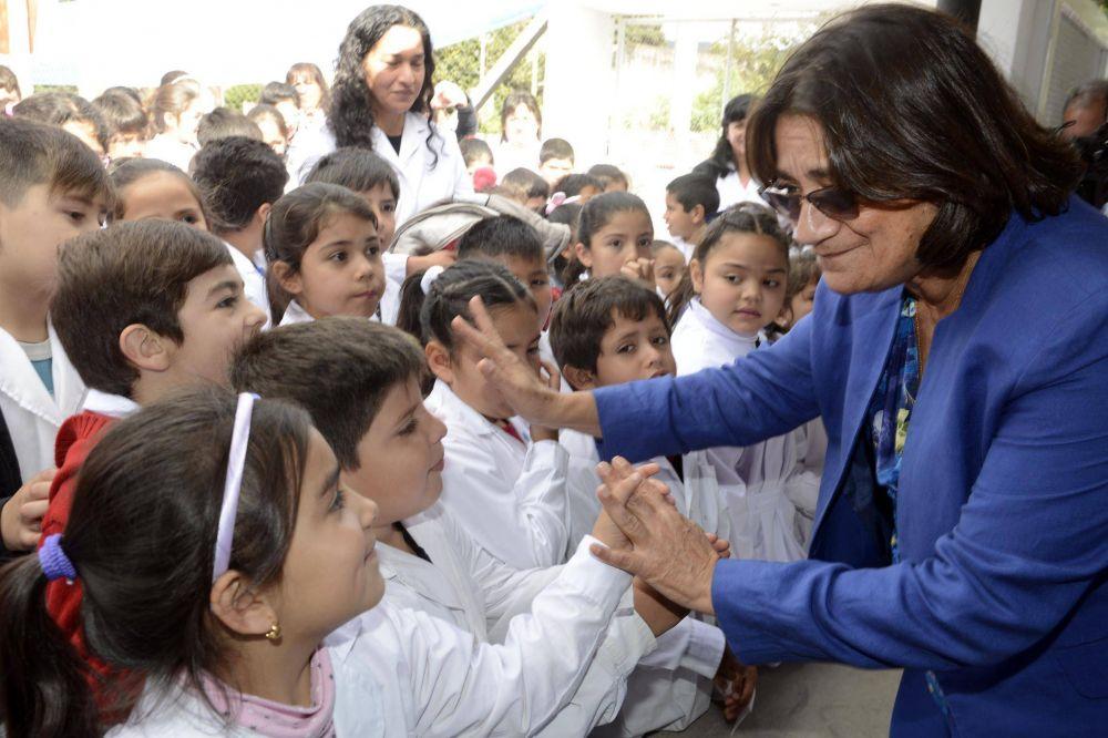 Corpacci inauguró un nuevo edificio escolar en Paclín