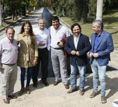 Sáenz supervisó obras junto a dirigentes políticos