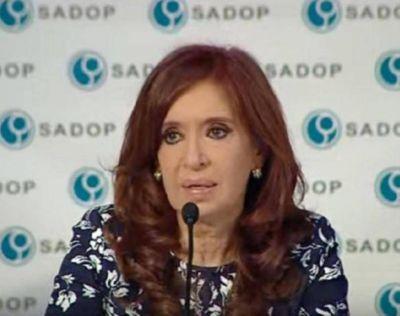 Cristina Kirchner anunció que no irá a Inglaterra e insinuó que no será candidata en las elecciones de octubre