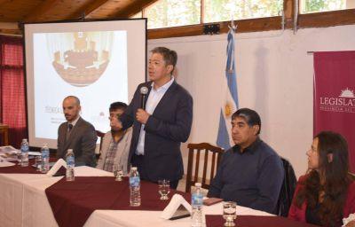 """Figueroa: """"Queremos que estas capacitaciones se transformen en más democracia"""""""
