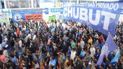 El Sindicato de Petroleros Privados de Chubut cruzó al líder de Camioneros provincial, Jorge Taboada