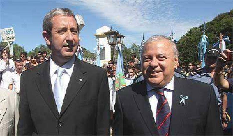Corrientes: Cobos mide sus fuerzas con los K en comicios a gobernador