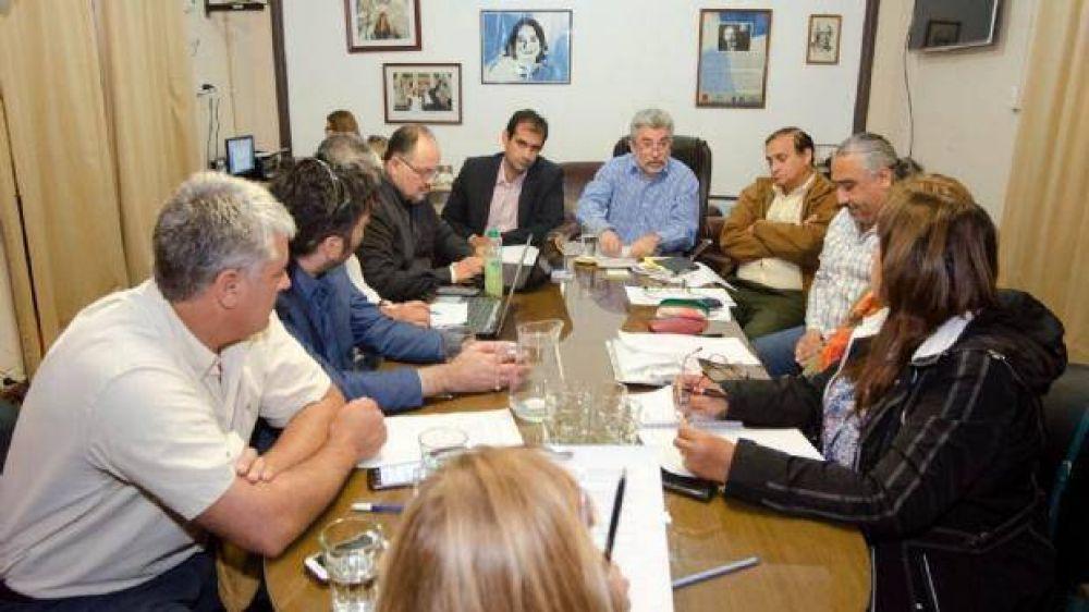 Docentes: Sin fecha de nueva reunión, inicia una semana clave
