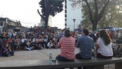 El ultra kirchnerismo salió por las plazas de la Ciudad