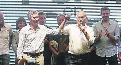 """Estallan las """"62"""" y Macri pierde su armado gremial"""