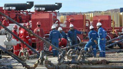 A la mesa: los petroleros discuten cuánto cobrarán