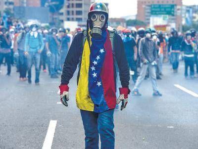 Maduro se apoya en las fuerzas armadas