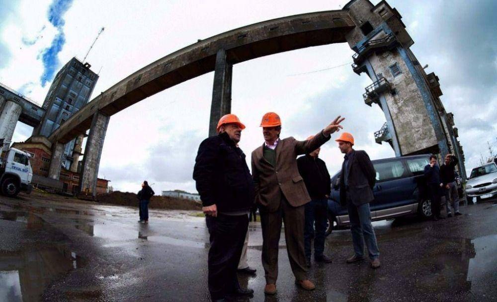 Se construirán piletones en el puerto para depositar el material proveniente del dragado