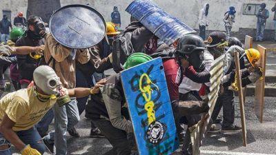 Venezuela, el arsenal de la batalla campal