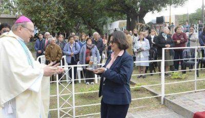 La gobernadora Corpacci presidió el acto por Esquiú