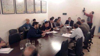 ATE reclamó reincorporación de trabajadores y mejores condiciones laborales en el Municipio de Paraná