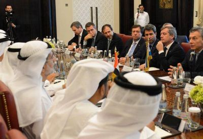 Negocio chino: Aranguren prometió exportar gas a los países asiáticos