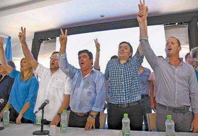 La Cámpora aislada, intendentes a dos puntas y falta de candidatos