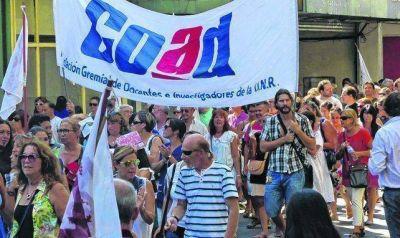 UNR: los docentes se suman mañana a la Marcha Federal