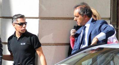 Tras el escándalo con Gisela, Scioli suspendió su actividad de campaña