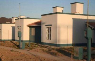 Desde que asumió Urtubey se entregaron cerca de 17 mil casas en Salta