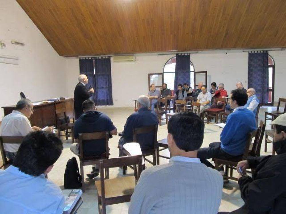 Mons. Dus se reunió con los sacerdotes de Resistencia