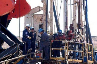 Petroleros esperan una propuesta salarial
