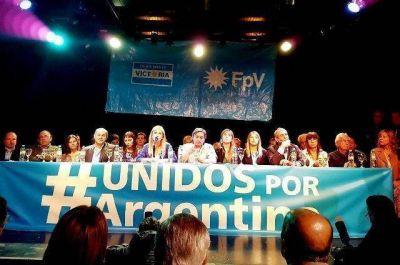 De reunión en reunión, lejos de unirse el peronismo bonaerense se atomiza y siguen las peleas