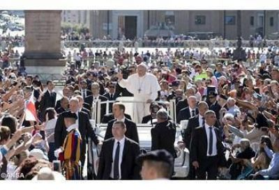 Nuestra vida se transforma por la presencia de Dios. Catequesis del Papa Francisco