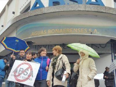El ministerio de Infraestructura intimó a ABSA, que se mantiene en pie de guerra con OCABA