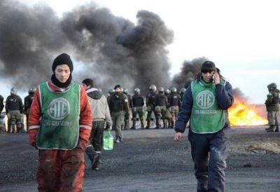 Gendarmería reprimió a estatales en un corte de ruta en Río Gallegos