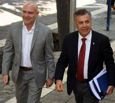Cornejo evalúa reabrir las paritarias recién después de las elecciones