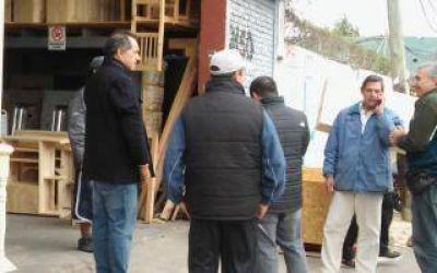 En medio del escándalo, Scioli visitó una fábrica de muebles en San Fernando