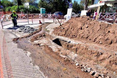 Avanzan las obras de red cloacal en el barrio Centinela de Olmos