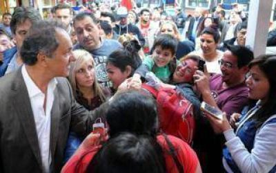 Elecciones 2017: Scioli de campaña desembarcó en Tres de Febrero