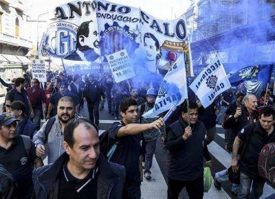 Surgen más conflictos en el ámbito privado, con paros parciales y manifestaciones