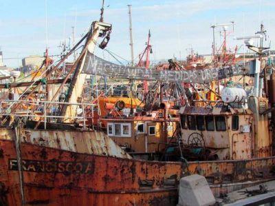 Protesta de los armadores costeros que se declaran en emergencia económica