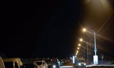 Ríos inauguró el sistema de iluminación en el acceso a las 550 viviendas del Pirayuí