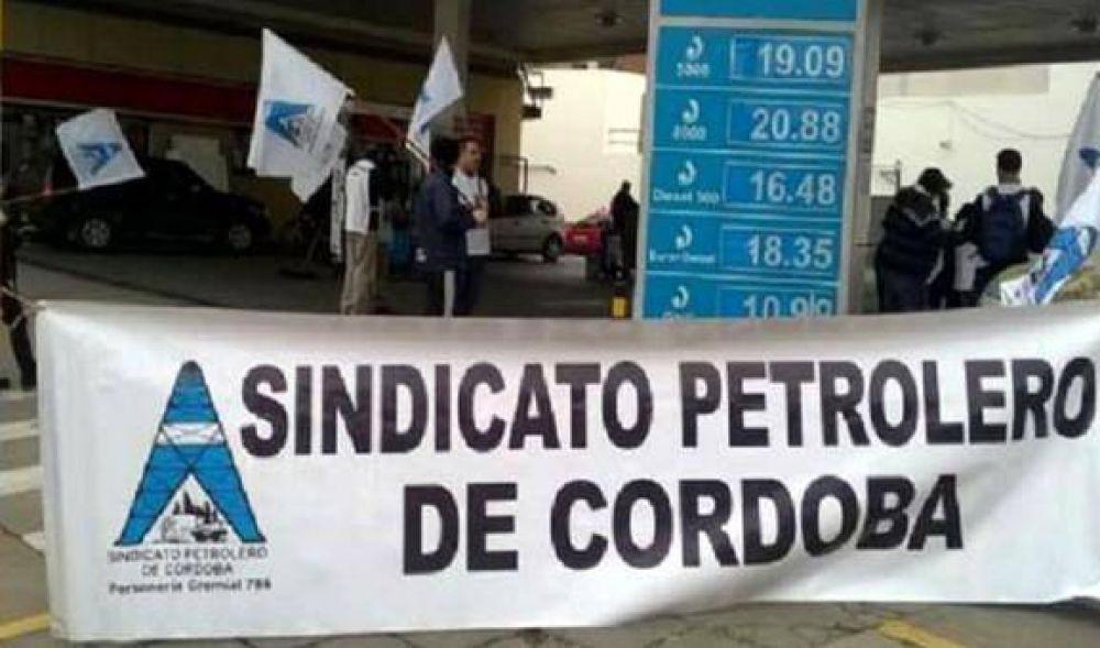 Por paritarias, paralizan parcialmente el expendio de combustible en Córdoba